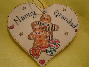 "Gingerbread Man Lady Couple Wooden Christmas Heart Hanger Decoration ""Nanny & Grandad"" Ready to Despatch"